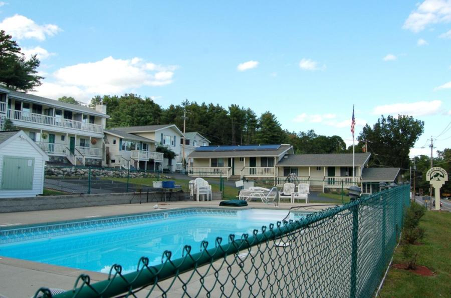 lake_george_pool